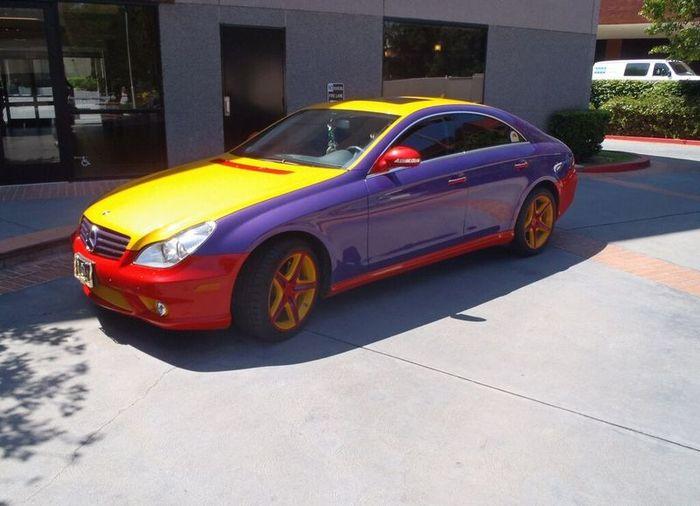 Разноцветный Mercedes-Benz CLS 550 (5 фото)