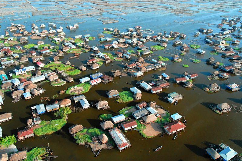 170 Африканская Венеция: Город озеро Ганвье