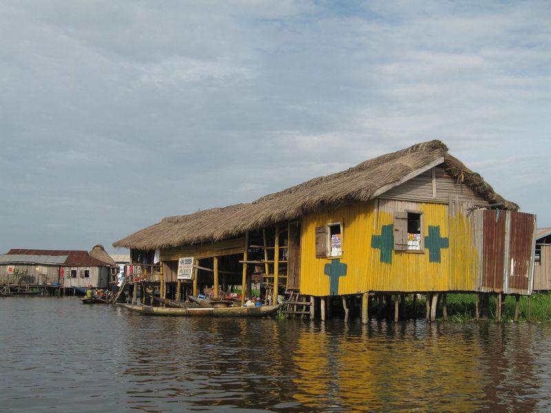 198 Африканская Венеция: Город озеро Ганвье