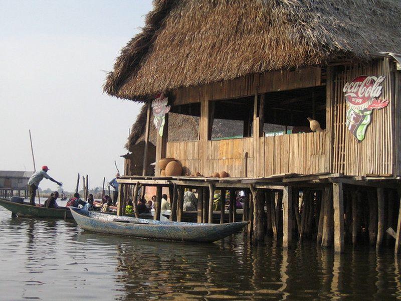 207 Африканская Венеция: Город озеро Ганвье