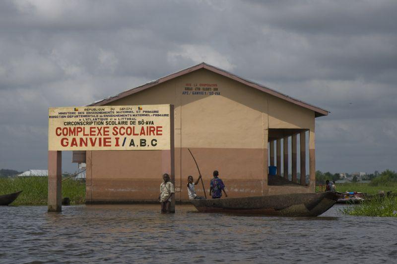 266 Африканская Венеция: Город озеро Ганвье