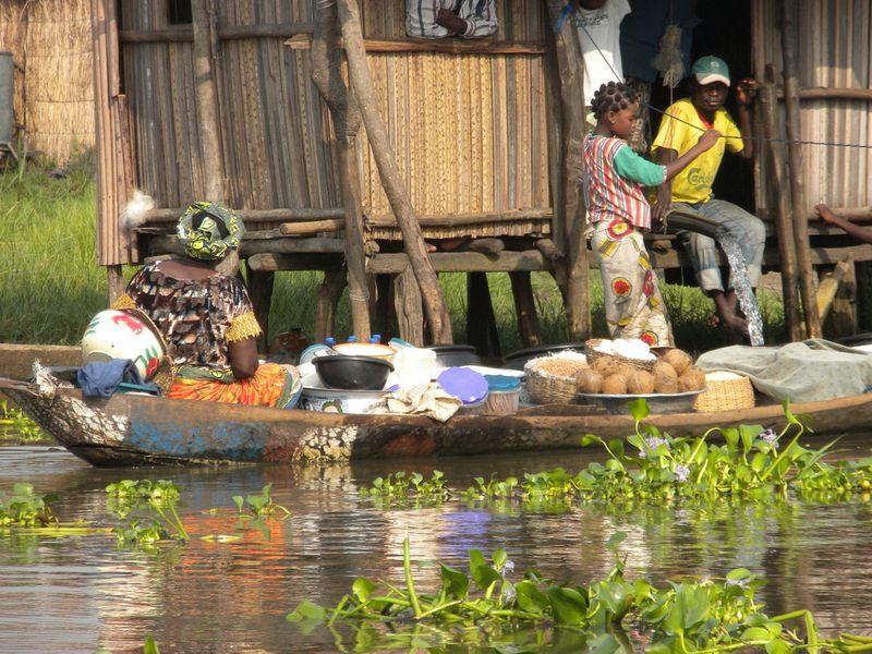 295 Африканская Венеция: Город озеро Ганвье