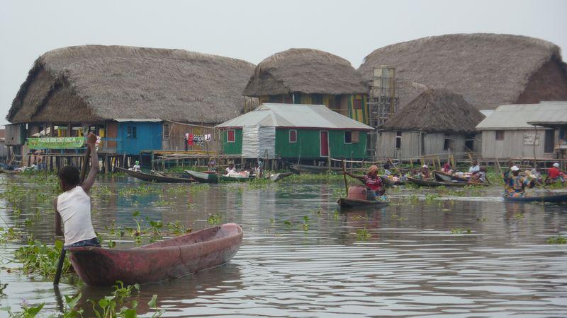 319 Африканская Венеция: Город озеро Ганвье