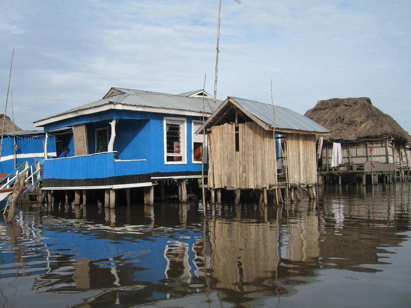 332 Африканская Венеция: Город озеро Ганвье