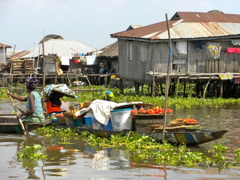 352 Африканская Венеция: Город озеро Ганвье
