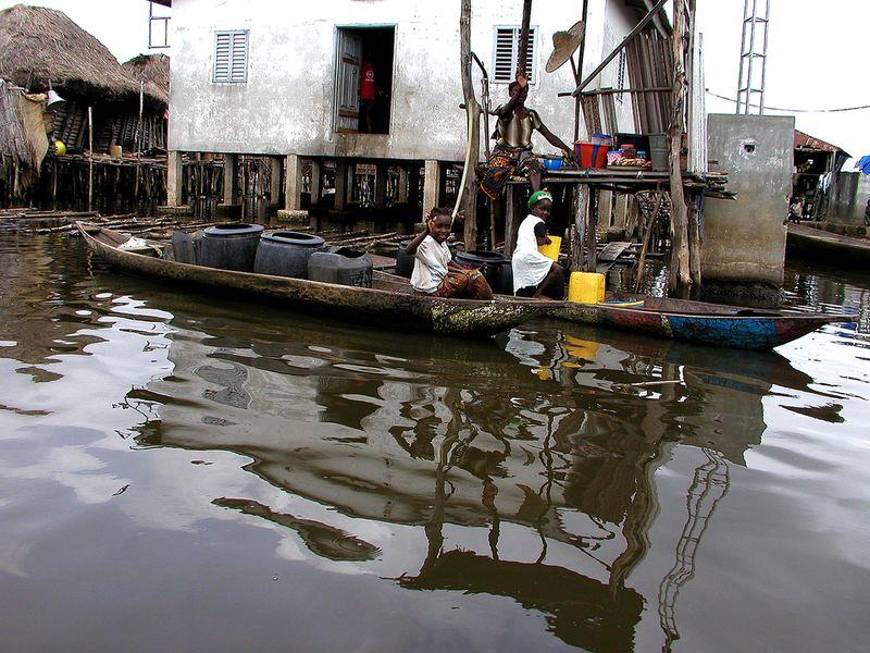 416 Африканская Венеция: Город озеро Ганвье