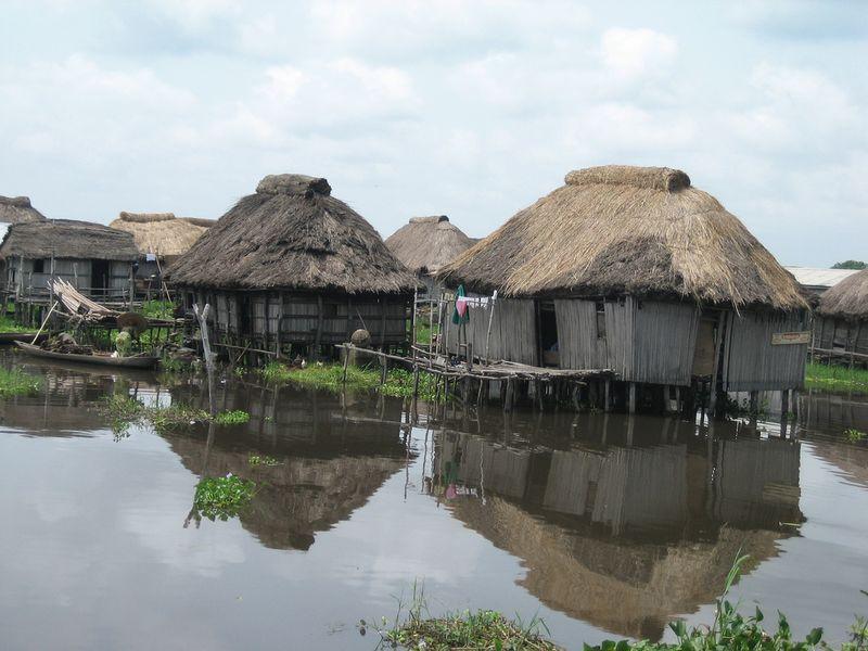 516 Африканская Венеция: Город озеро Ганвье