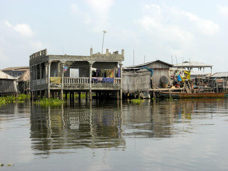 616 Африканская Венеция: Город озеро Ганвье