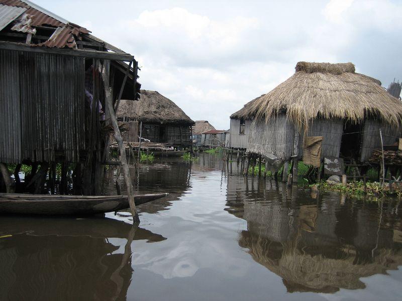 716 Африканская Венеция: Город озеро Ганвье