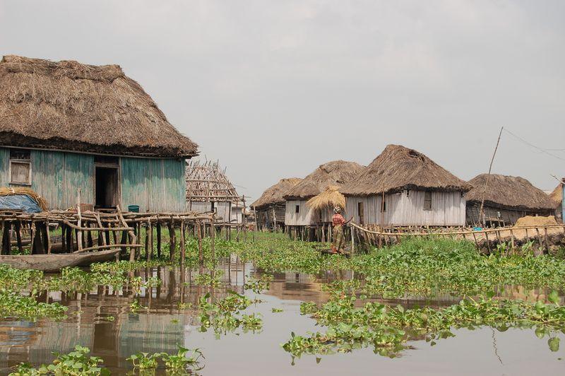 815 Африканская Венеция: Город озеро Ганвье