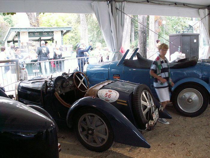Флюиды от Bugatti (19 фото)