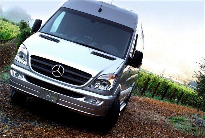 Тюнинг салона Mercedes-Benz Sprinter в духе люксовых самолетов (24 фото)