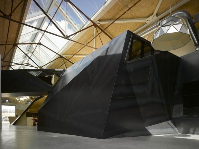 Главный офис компании Red Bull от Sid Lee Architecture (31 фото)