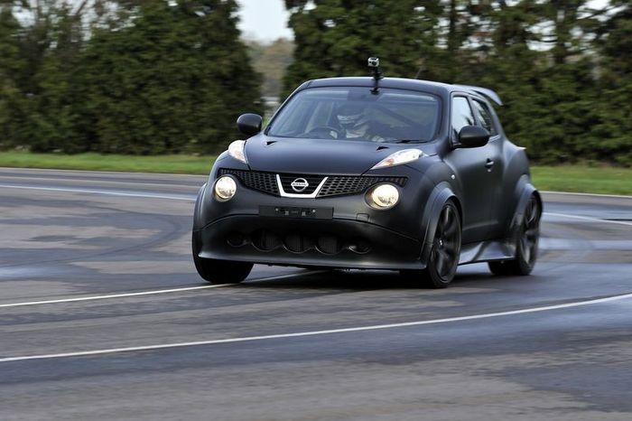 Первые живые фотографии Nissan Juke-R (76 фото+видео)