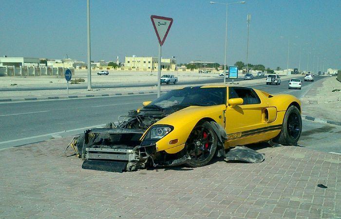 Аварии и пожары суперкаров за неделю (27 фото+2 видео)