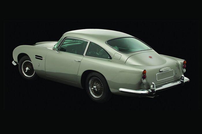 Лондонский аукцион распродал машины знаменитостей на 5,2 млн. евро (4 фото)
