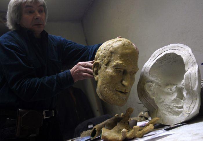 Бронзовая статуя Стиву Джобсу (10 фото)