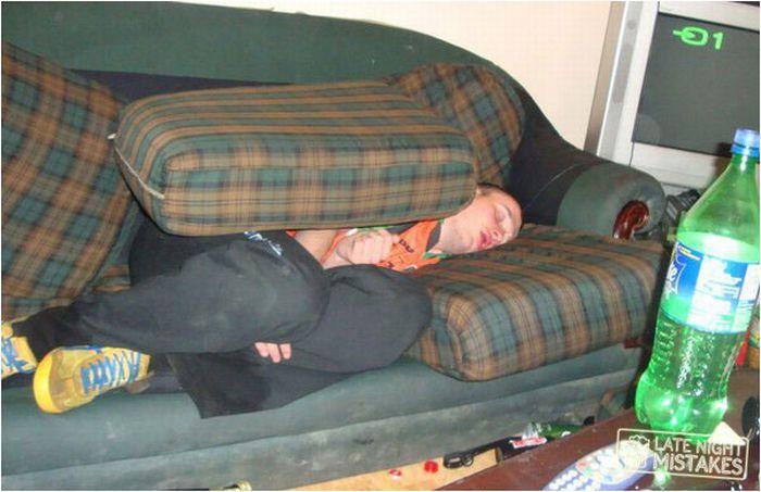 Приколы со спящими пьяных русских девушки фото