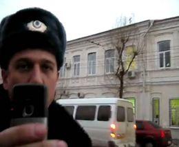 Полицейский украл камеру