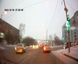 Пешеход протаранил машину