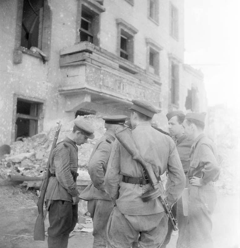 1825 Повседневная жизнь Берлина в июле 1945 года