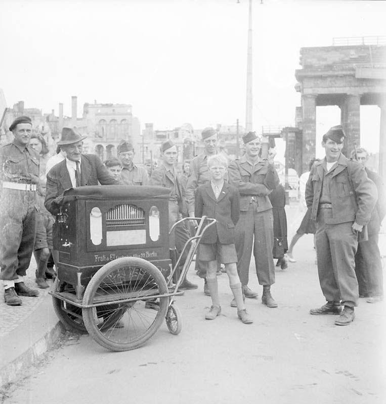 2023 Повседневная жизнь Берлина в июле 1945 года
