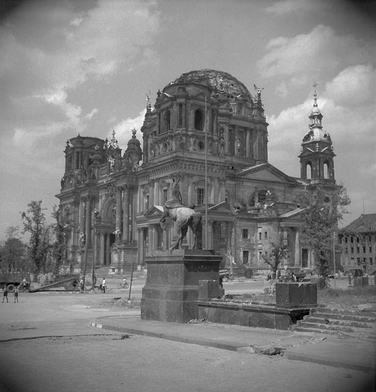 2129 Повседневная жизнь Берлина в июле 1945 года
