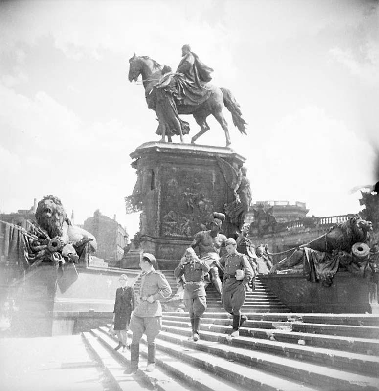 2224 Повседневная жизнь Берлина в июле 1945 года