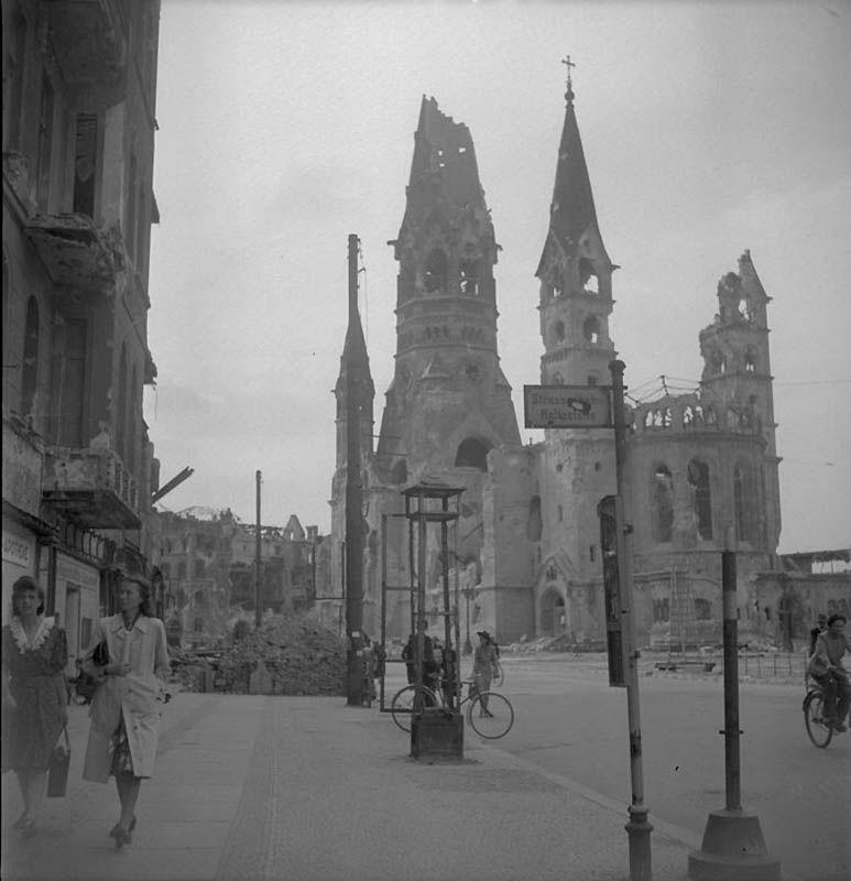 2520 Повседневная жизнь Берлина в июле 1945 года