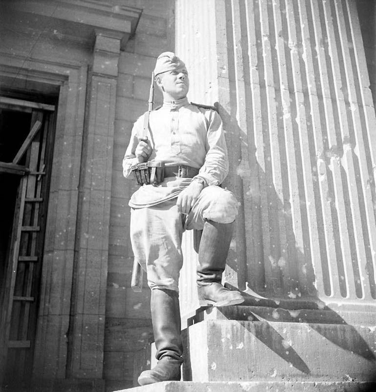 Русский солдат фото в Берлине
