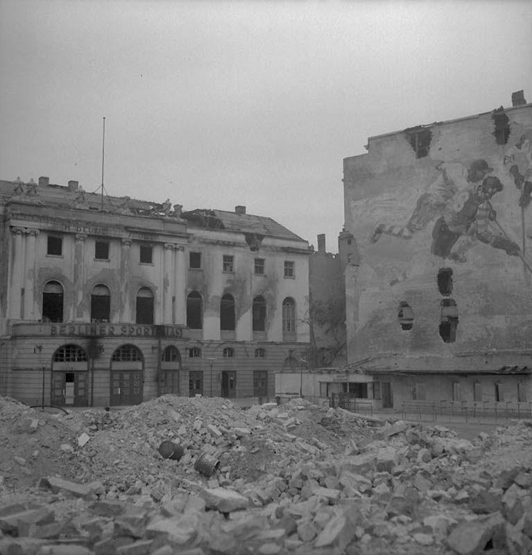 3108 Повседневная жизнь Берлина в июле 1945 года