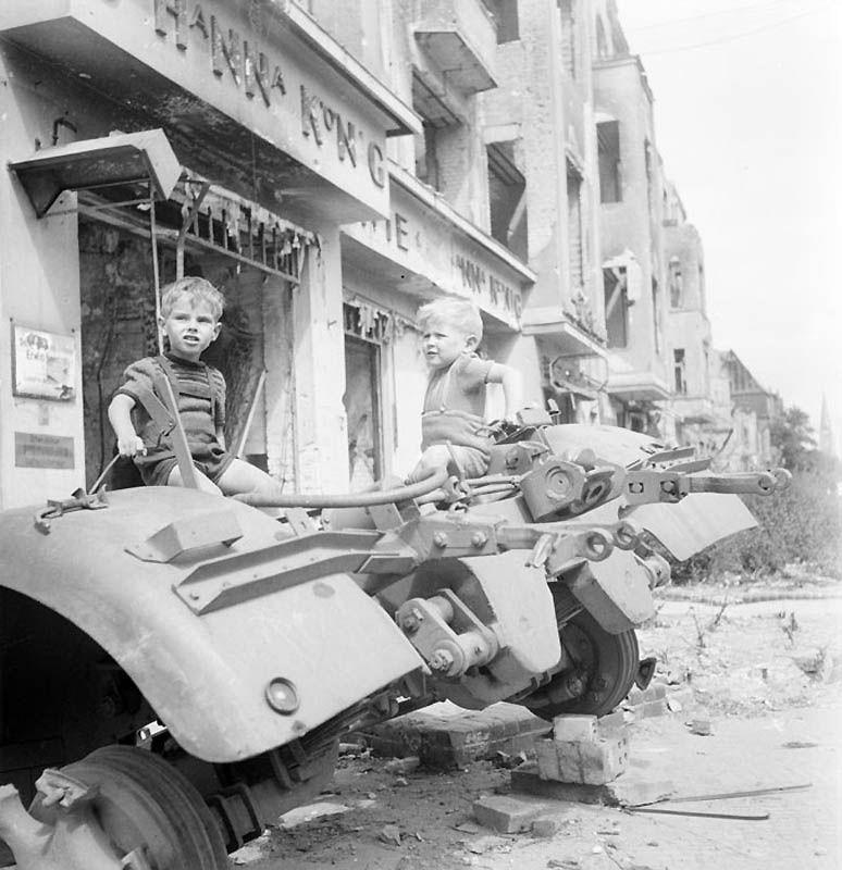 754 Повседневная жизнь Берлина в июле 1945 года