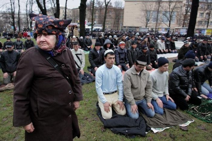 Российская жизнь от Александра Петросяна (34 фото)