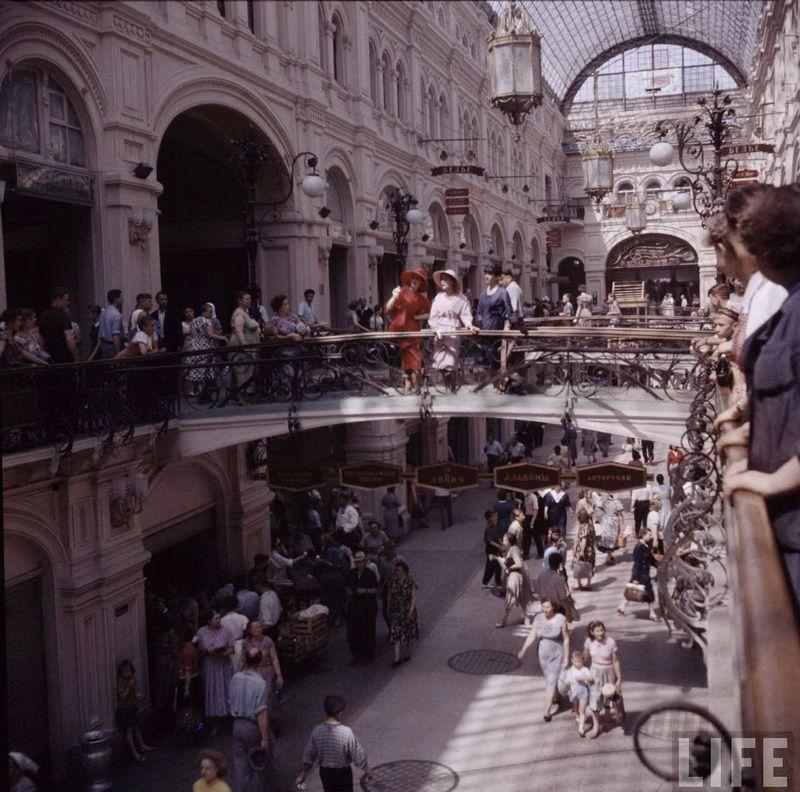 Christian Dior в Москве. 1959 год. (30 фото)