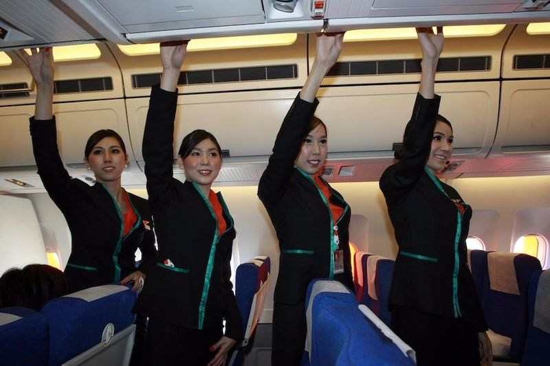 Стюардессы Тайландской авиакомпании (7 фото)