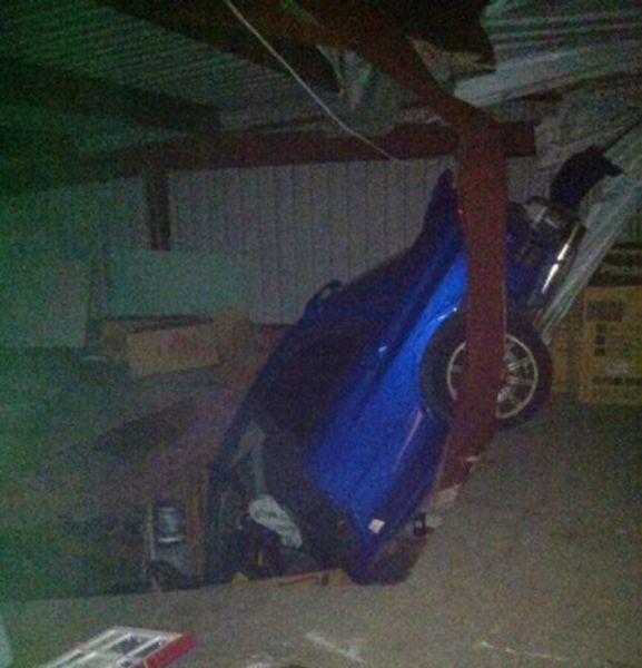 Залет Subaru WRX через крышу (5 фото+видео)
