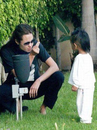 Fotos engraçadas de Angelina Jolie (79 fotos)