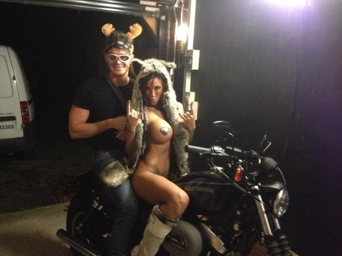 Джоди Марш отпраздновала день рождения голышом (3 фото)