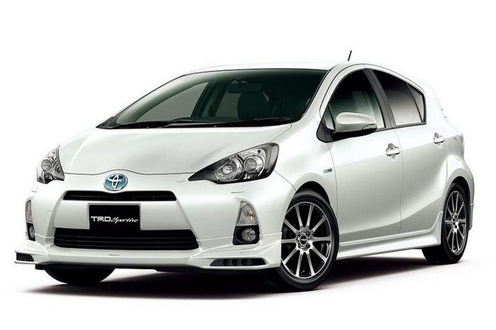 Toyota Prius C (Aqua) получила спорт-пакет от TRD (11 фото)