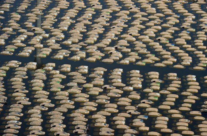 Компания Honda уничтожит более 1000 новых машин, пострадавших в наводнении в Тайланде (24 фото)
