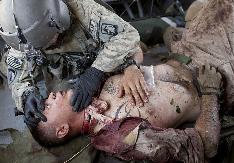 Раненый солдат картинки