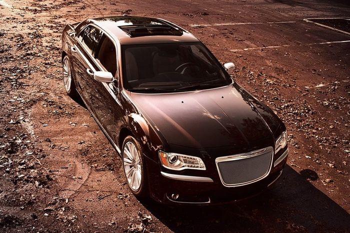 В Chrysler показали новую модификацию для модели 300C - Luxury Series (14 фото)