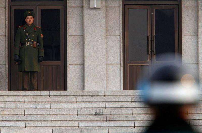 17113 990x653 Северная Корея простилась с Ким Чен Иром