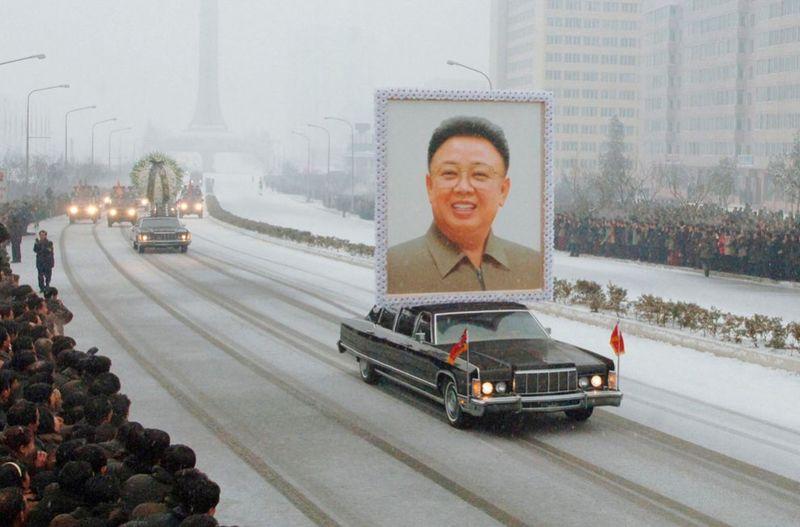 1994 990x653 Северная Корея простилась с Ким Чен Иром
