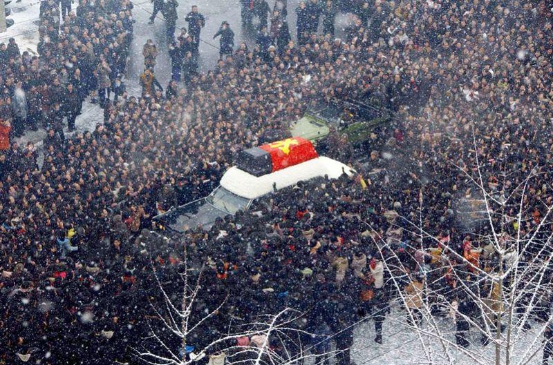 2477 990x655 Северная Корея простилась с Ким Чен Иром