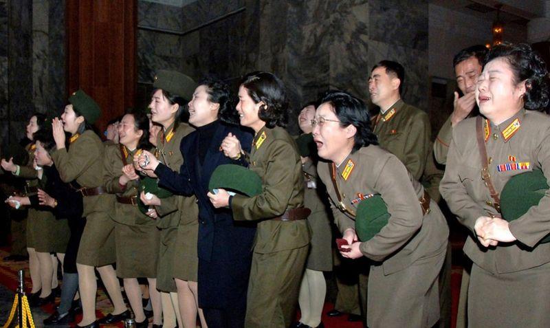 4236 990x591 Северная Корея простилась с Ким Чен Иром