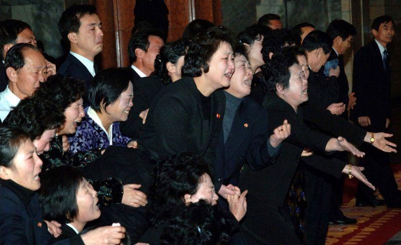 6154 990x605 Северная Корея простилась с Ким Чен Иром