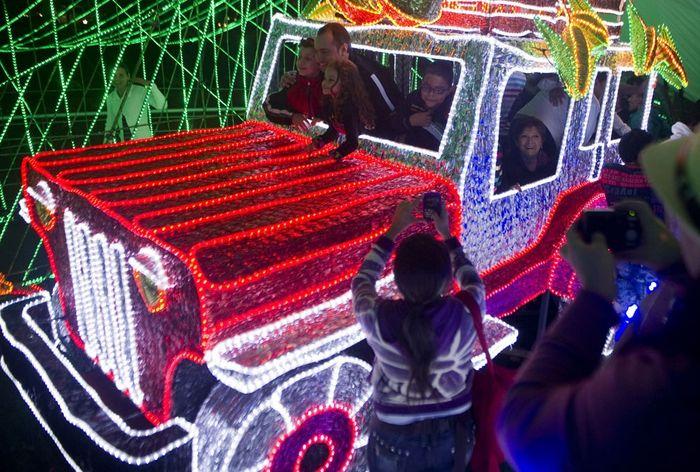 Парк иллюминаций в Медельине (9 фото)