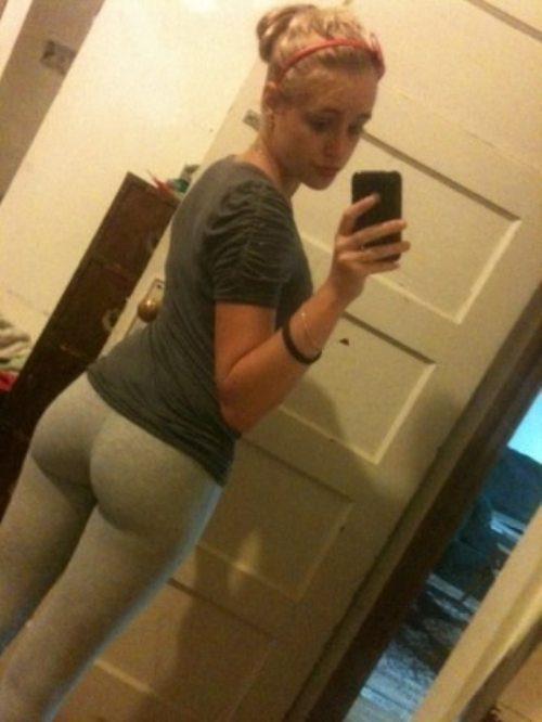 Chicas Sexys en pantalones de yoga  9