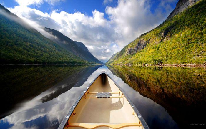 Свежий фотоприкол лодка, пейзаж